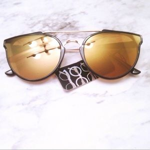 Accessories - Black & Gold Mirrored Sunglasses